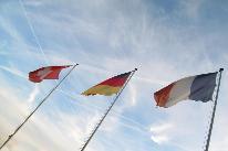 Flaggen Schweiz, Deutschland und Frankreich